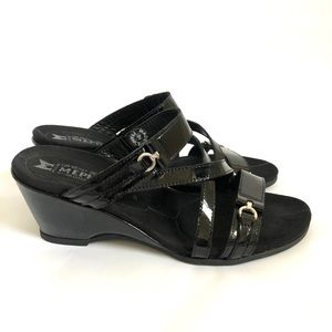Mephisto Patent Leather Wedge Sandals Sz 8 / 38